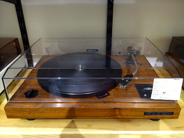 Tesla turntable