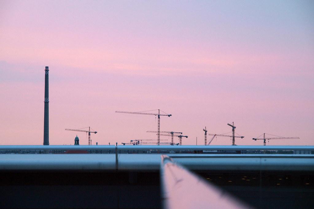 Berlin architecture - Grues vues du toit du Reichstag