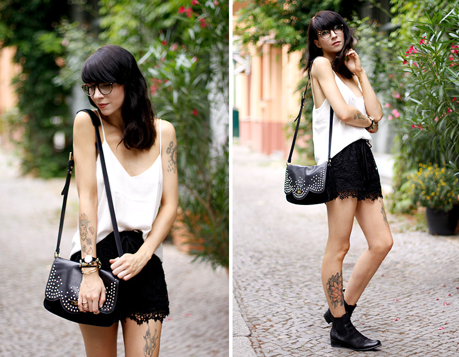 Sacha Chelsea Boots Mister Spex Ray-Ban Glasses Optical silk top H&M Chicwish lace shorts BettyxLancaster Betty x Lancaster Paris bag outfit OOTD styling fashion blogger Berlin Ricarda Schernus 5