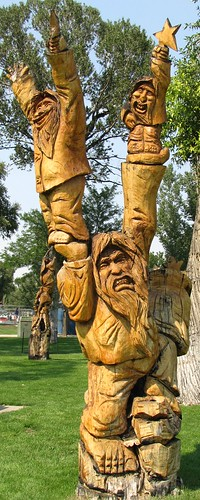 park statue wooden colorado carving craig smalltown treetrunkcarvings