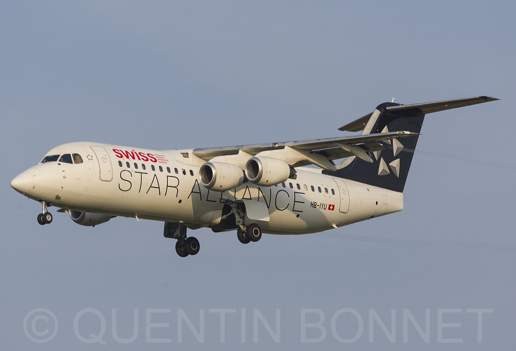 Swiss British Aerospace Avro RJ100 HB-IYU