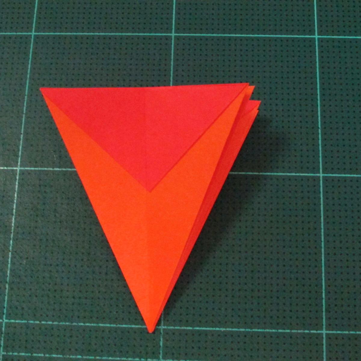 วิธีพับกระดาษเป็นช่อดอกไม้ติดอกเสื้อ (Origami Wedding Chest Flower) 012