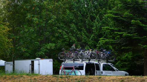 Bikes on roof  Washington Cascades 2014_0102