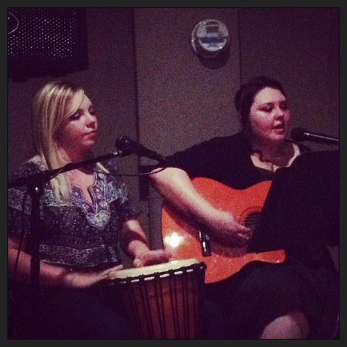 Ashley and Angela at Vintage 22 #hmagigs #livemusic