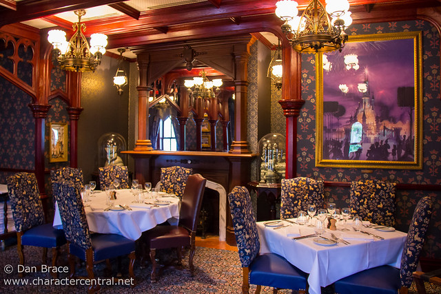 Dinner at Walt's - An American Restaurant
