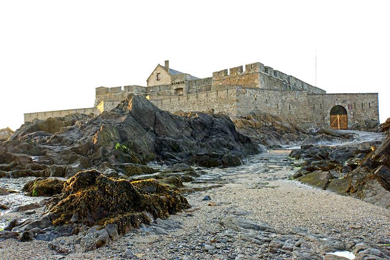 France-001121 - Fort National