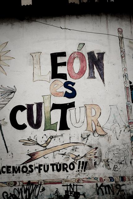 Culture of Leon
