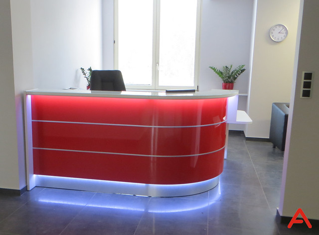 red-valde-reception-desk-01