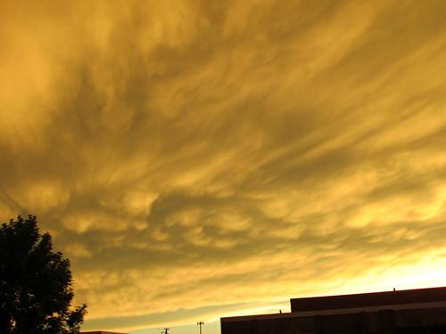 summer illinois twilight dusk afterthestorm sunsets il weirdlight hodgkins