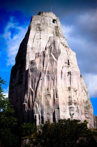 Paris Zoo Mountain