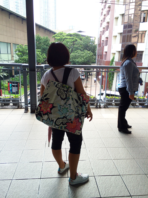 Floral-body-tote