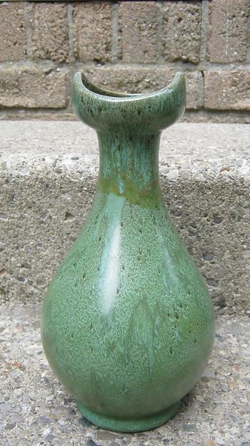 Huronia Pottery (Ontario, Canada) 15234250321_717fc73097_z