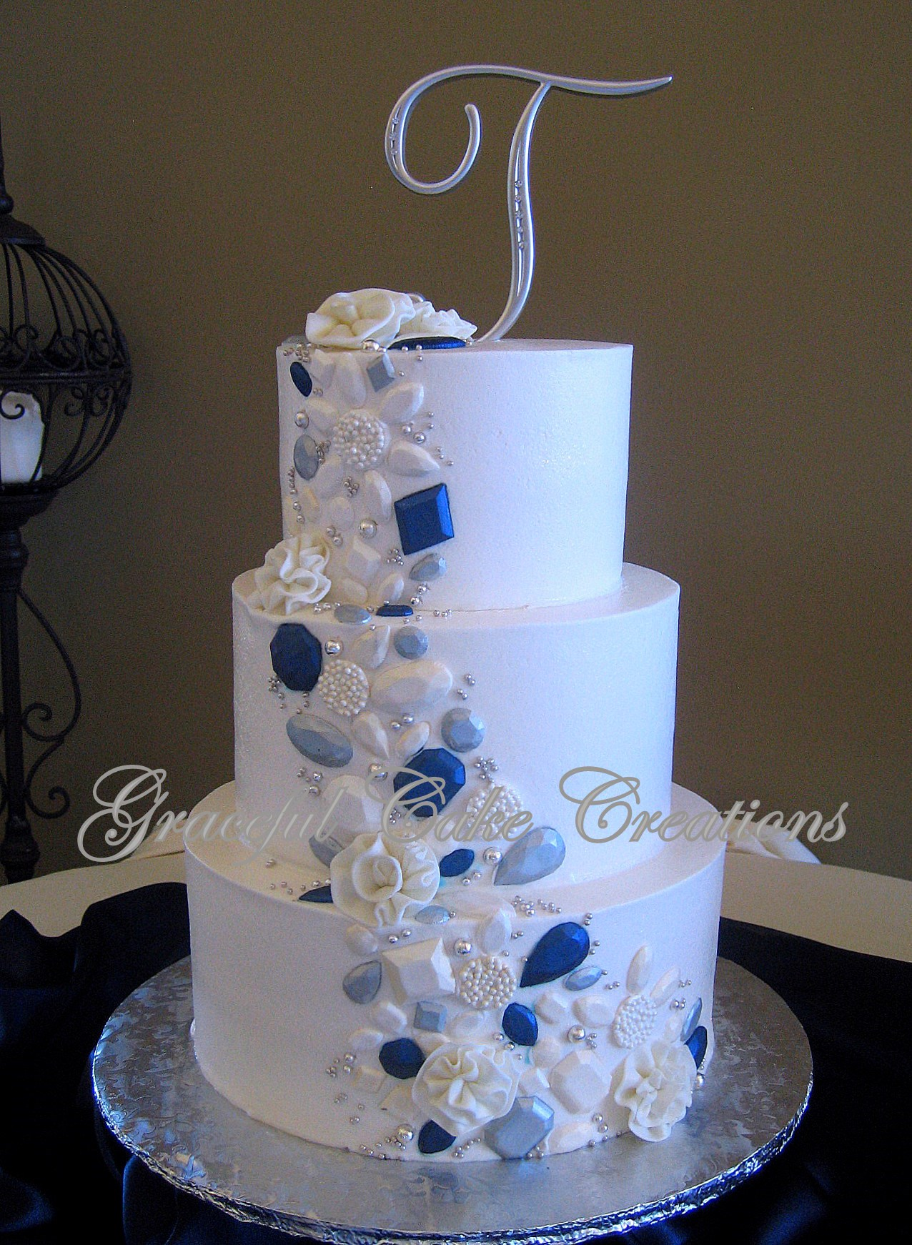 Elegant White Wedding Cake with Silver Pearl and Navy