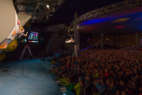 EHolzknecht-140517-BoulderingWorldcup_Innsbruck_Final_0795