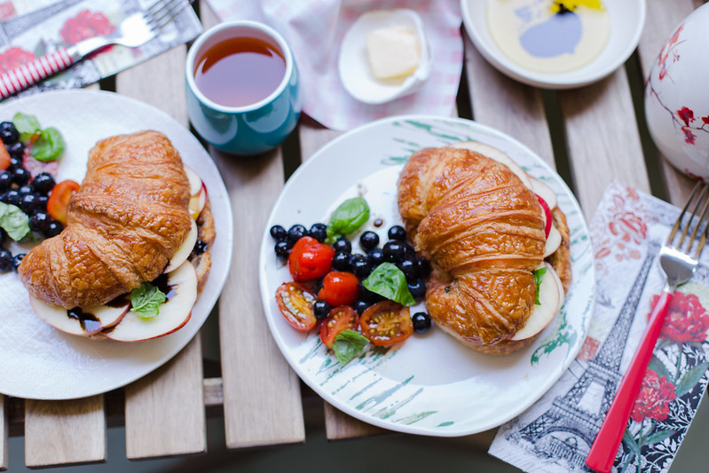 Apple and Pesto Croissant Sandwich