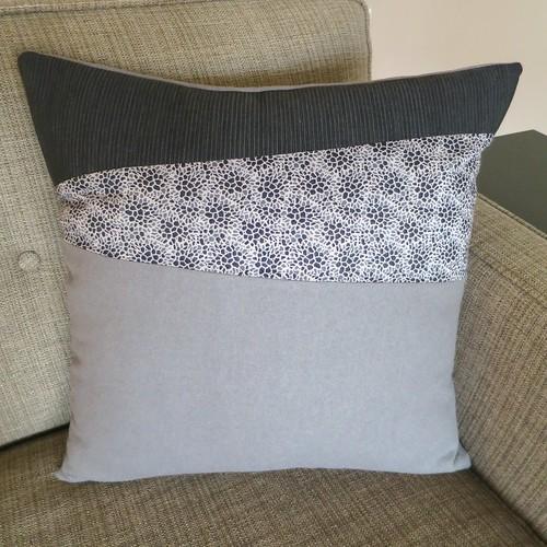 Iron Craft '14 Challenge #13 - Wonky Stripes Pillow