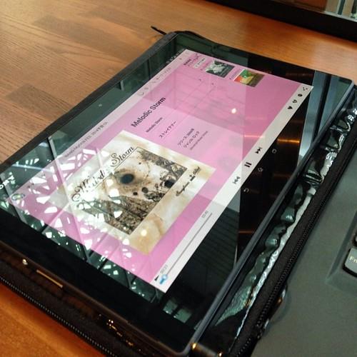 Xperia Z2 Tablet SOT21、auの4G LTE対応だから音楽をストリーミング再生しても問題なし。動画でも問題なく再生可能。 #Xperiaアンバサダー