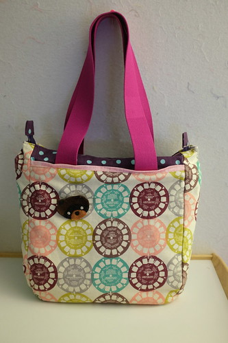 SuperTote front