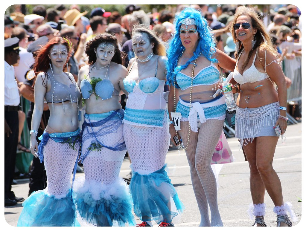 coney island mermaid parade 2014 mermaids