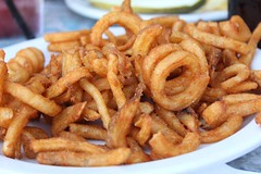 vegetable, frying, fried food, squid, side dish, seafood, onion ring, food, dish, cuisine, snack food, fast food,