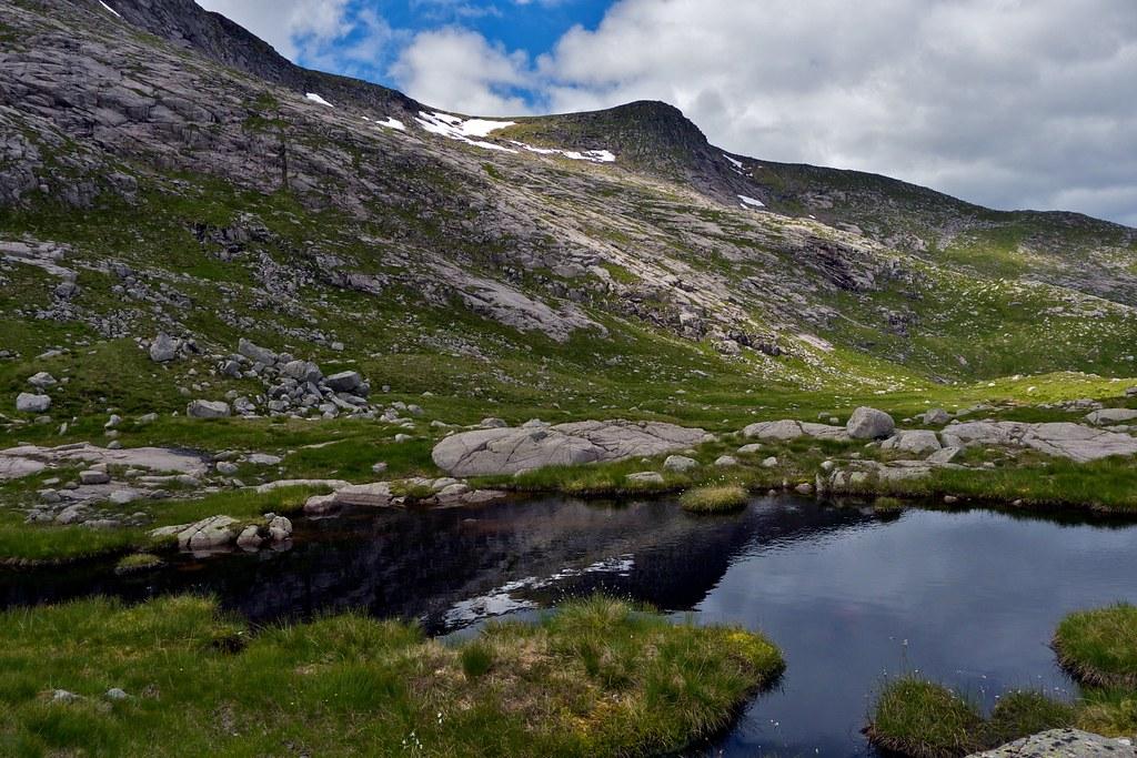Northern side of Stob Coir'an Albannaich