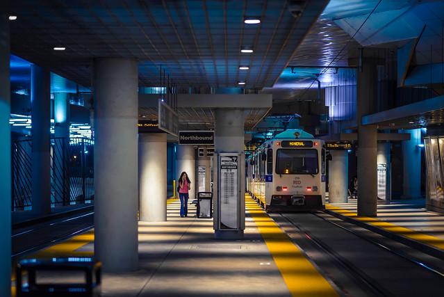 в ожидании метро