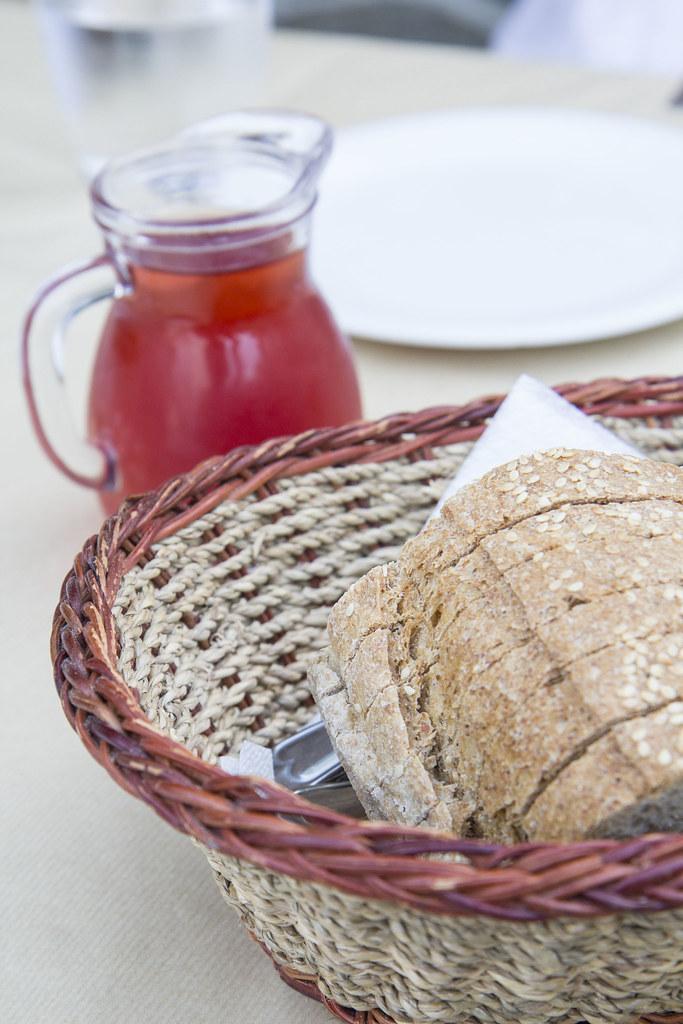 Lefkes-bread