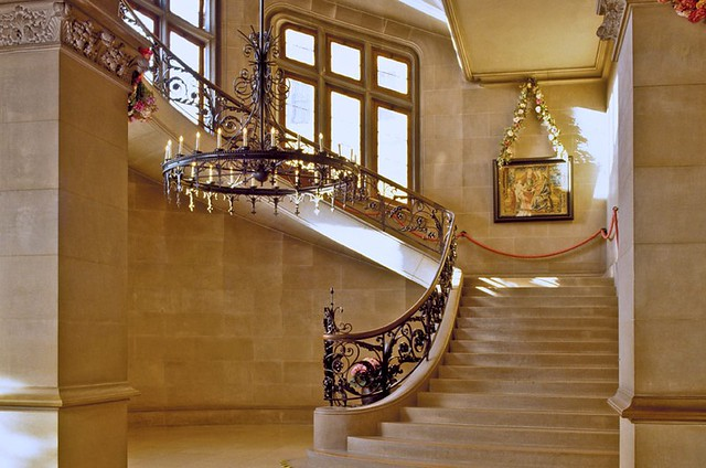 biltmore-house-grand-staircase