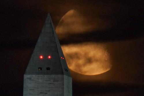 8/15/14 moonrise over Washington Monument