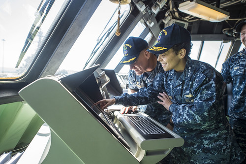 SAN DIEGO (NNS) -- SAN DIEGO - The Vice Chief of Naval Operations (VCNO), Adm. Michelle Howard, visited Naval Air Station North Island (NASNI) and Naval Base San Diego (NBSD).