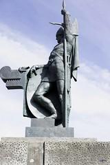 Ingólfur Arnarson statue