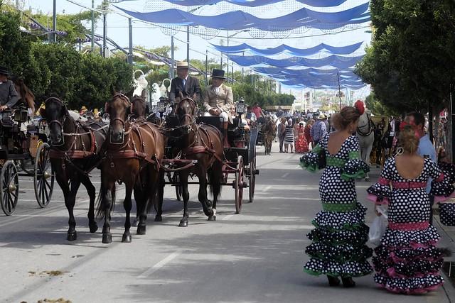 Cuatro fiestas verano viajar AVE - Feria de Málaga
