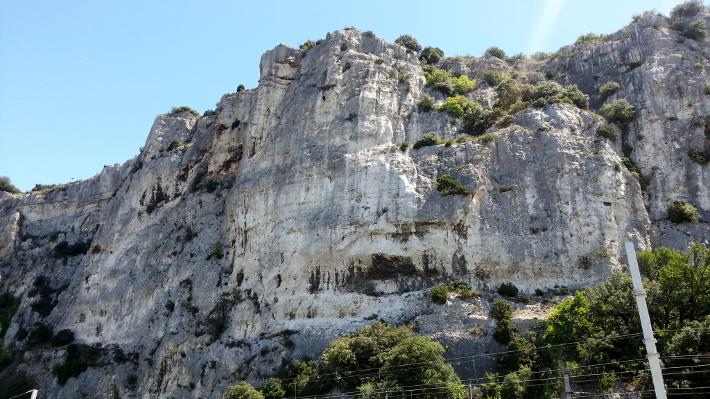 ardèche cliffs