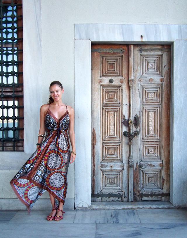 travel style maxi dress topkapi palace istanbul 2