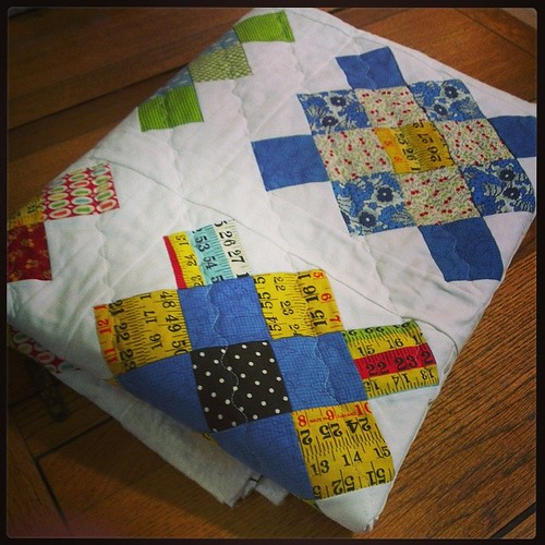 Second one all quilted. Now I desperately need to crack on with teacher gifts! #leedsmqg #grannysquarequilt #siblingstogether