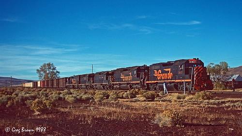 southernpacific sp spmodocline lassencounty california desert riogrande drgw emd gp40 railroads trains