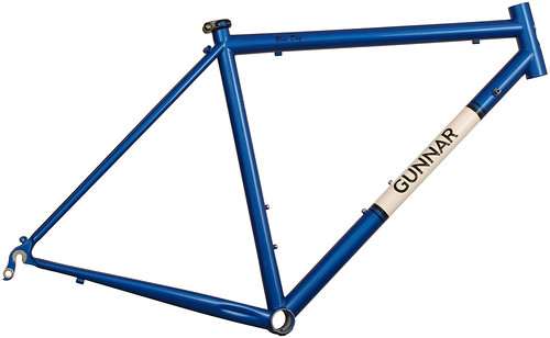 <p>Gunnar Sport in Gunnar Blue with White downtube panel and black Bullseye decals.  The Sport is ideal for long distances in comfort.</p>