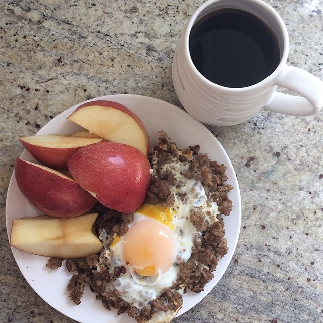 Day 1, breakfast - #Whole30 (ground sausage with egg, apple slices, & black coffee)