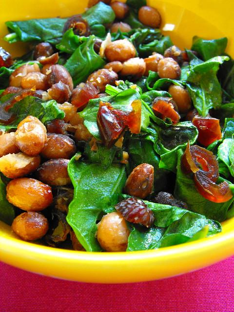 Salada de feijão com espinafres