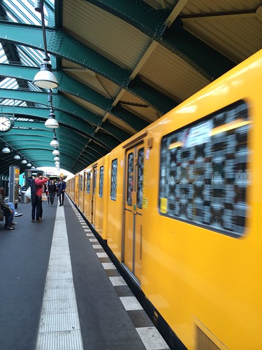 European Instagram meetup #EverchangingBerlin_Eberswalder Strasse ubahn station train leaving