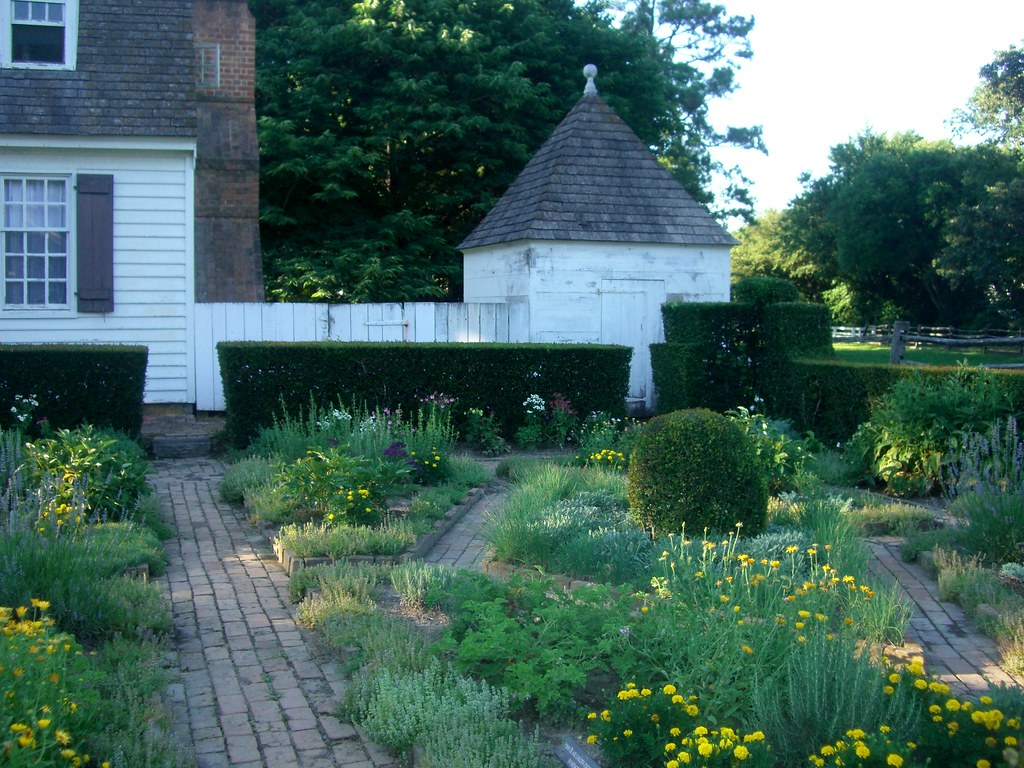 Williamsburg Garden