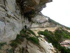 Sentier Pertusatu - Cala di Labra : le sentier dans Cala di Labra