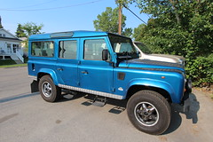 compact sport utility vehicle(0.0), automobile(1.0), automotive exterior(1.0), vehicle(1.0), land rover(1.0), land rover defender(1.0), off-road vehicle(1.0), land rover series(1.0), bumper(1.0), land vehicle(1.0),