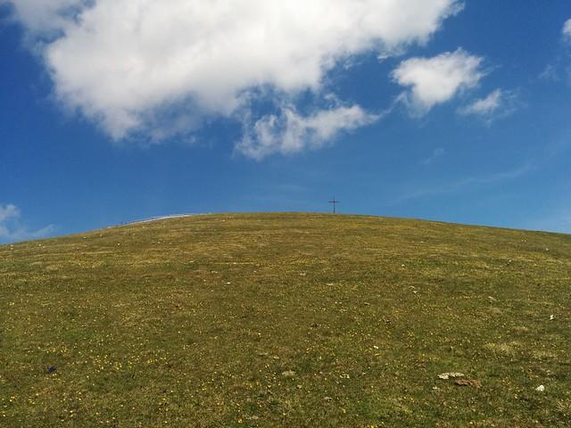 Gipfelkreuz Dreifingerspitze in Sicht
