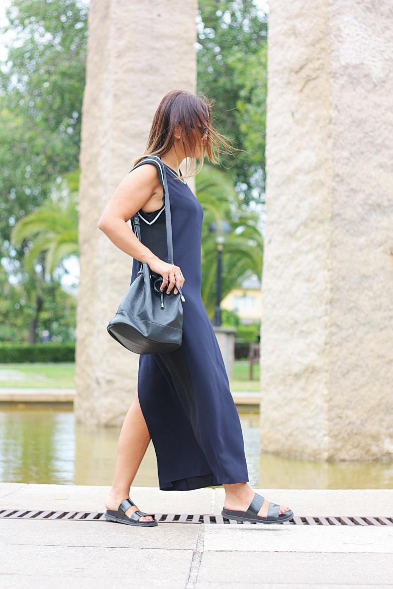 street_style-outfit-midi_dress-blue_marine-zara_studio-zara_daily-ugly_shoes-look_lady_mode