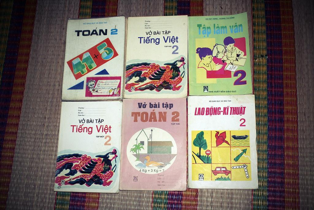 Sách giáo khoa tiểu học cũ - nơi lưu giữ từng trang ký ức 14705397569_0145a77005_b