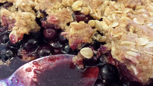 mixed summer fruit crumble