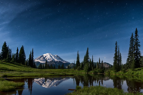 landscape nikon moonlit pacificnorthwest pugetsound nightphoto washingtonstate mtrainier d610 mrnp supermoon nikon1635mmf4vr ryderphotographic howardryder