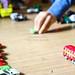 Les enfants sont heureux de retrouver plein de jouets. Lauerbrück, Allemagne