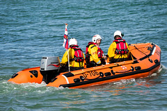 pilot boat(0.0), motorboat(0.0), vehicle(1.0), boating(1.0), inflatable boat(1.0), watercraft(1.0), boat(1.0), raft(1.0),